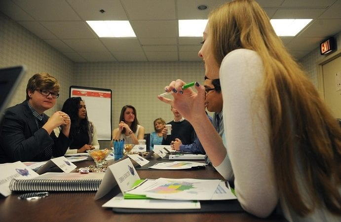 Op zoek naar een maatschappelijke stage? Of flexibel vrijwilligerswerk?